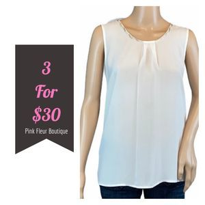 CHARMING CHARLIE White Top Small